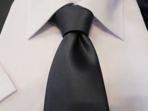 cravatta-grigio-scuro-classica-diamantino