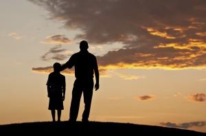 padre-e-figlio-tramonto